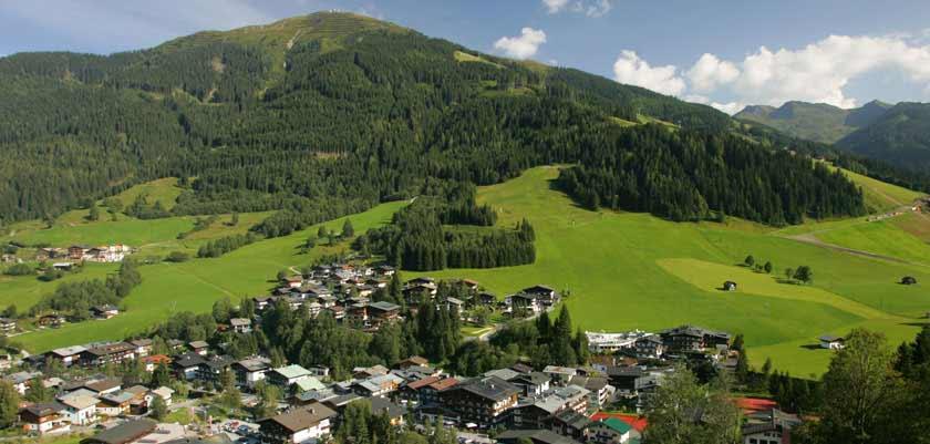 Saalbach & Hinterglemm, Austria, Resort view.jpg